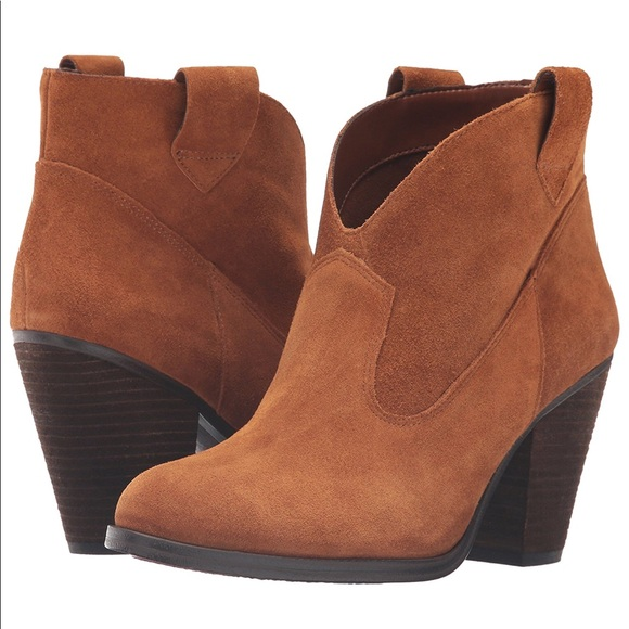 NEW Vince Camuto Hadrien Ankle Bootie